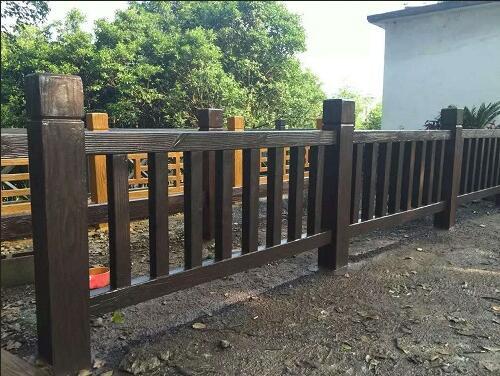 【厂家】绿园兰州仿木护栏