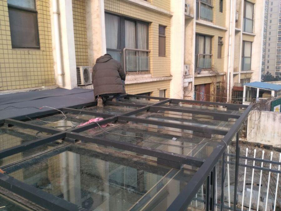 洛阳断桥铝门窗封闭阳台屋顶露台阳光房钢结构