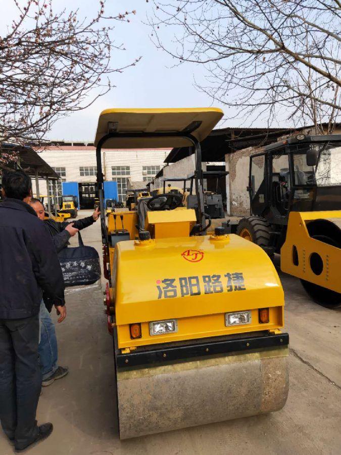 洛阳路捷原厂YZC303双钢轮压路机及配件